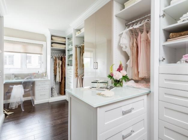 closet-with-shelves