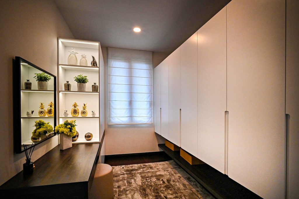 Tips For Creating a Dressing Room Closet